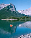 brittiska män två för Kanada columbia fiskelake Arkivbilder