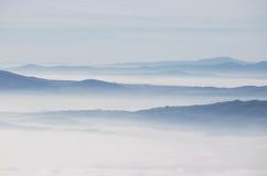 brixia που καλύπτει delle τη θάλασσα valle περιοχών επαρχιών messi της Ιταλίας Λομβαρδία ομίχλης Στοκ Φωτογραφίες