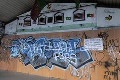 Brixton, Лондон Великобритания, местное дело закрыло Стоковое Изображение RF