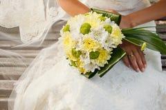 Bröllopbukett av krysantemumblommor Arkivbilder