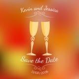 Bröllopexponeringsglas med champagne över abstrakt färgrik suddig vektorbakgrund Arkivfoton