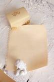 bröllopinbjudan på pergament Arkivbilder