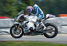 BRNO - Anthony occidentaux dans le chemin principal de Moto2 Photographie stock