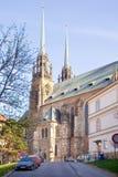 Brno. Domkyrka av helgon Peter och Paul Arkivfoton