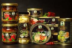 BRNO TJECKIEN - DECEMBER 16, 2017: Kaiser Franz Josef Exclusive Canned Tuna With chili Mat för gourmet Olik typnolla Royaltyfria Foton