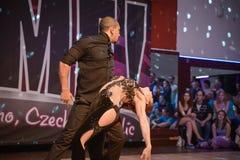 Brno Tjeckien - Februari 5th 2017: Brasiliansk dansshow av begåvade dansare Arkivbild