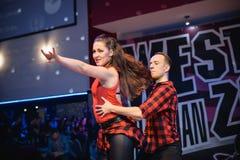 Brno Tjeckien - September 30th 2017: Brasiliansk dansshow av begåvade dansare Arkivbilder
