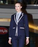 Brno tjeckisk Republik-mars 20,2015: Modell som går på modeshow Royaltyfri Foto