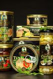 BRNO, TSCHECHISCHE REPUBLIK - 16. DEZEMBER 2017: Paprikas Kaiser Franz Josef Exclusive Canned Tuna With Lebensmittel für Feinschm Lizenzfreies Stockbild