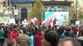 BRNO, TSJECHISCHE REPUBLIEK, 24 OKTOBER, 2015: Demonstratie tegen Islam in Brno stock video