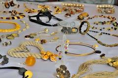 Bärnstensfärgade smycken i Gdansk Royaltyfri Foto