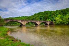 Bro över Cumberland River Arkivfoton