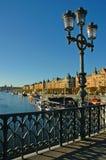 bro över den stockholm waterfroen Royaltyfri Fotografi
