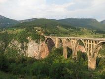 Bro över den Tara floden, Montenegro Arkivbilder