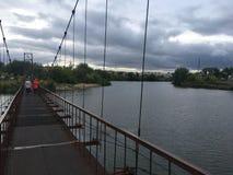 Bro över den Tobol floden arkivbilder