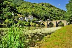 Bro över den Truyere floden, Frankrike Arkivbild