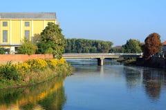 bro över floden Fotografering för Bildbyråer