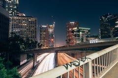 Bro över huvudvägen i Los Angeles Arkivfoto