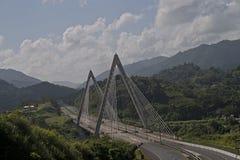 Bro över La Plata River, Puerto Rico Arkivfoto