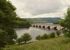 Bro över Ladybower Arkivfoton
