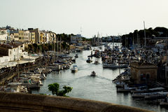 Bro över Menorca port Arkivfoton