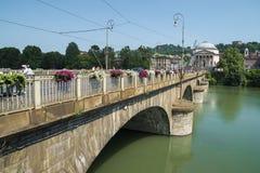 Bro över Po River i Turin Arkivfoton