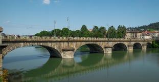 Bro över Po River i Turin Royaltyfri Bild
