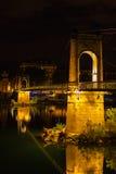 Bro över Rhone River i Lyon, Frankrike på natten Arkivbilder