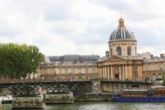 Bro över Seinet River, Paris Royaltyfri Foto