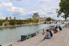 Bro över Seinet River, Paris Royaltyfri Bild
