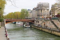 Bro över Seinet River, Paris Royaltyfria Foton