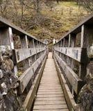 bro över swale Arkivfoto