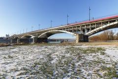 Bro över Vistula River i Warszawa Fotografering för Bildbyråer