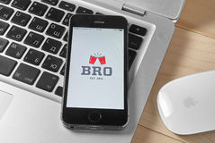 BRO app na iPhone 5s Fotografia Stock