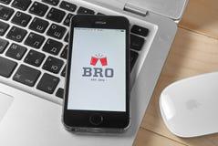 BRO app på iPhonen 5s Arkivbild