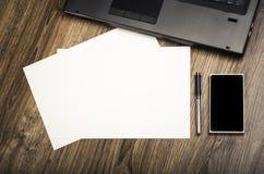 Büro-Arbeitsplatz-Schreibtisch Stockfotos