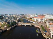 Bro av Amsterdam, sikt från över Fotografering för Bildbyråer
