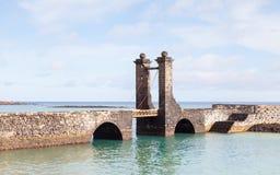 Bro av bollarna i Arrecife Arkivfoto