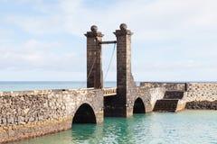 Bro av bollarna i Arrecife Arkivbild