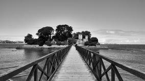 Bro av den Santa Curz slotten i Santa Cruz Galicia, Spanien Royaltyfri Fotografi