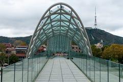 Bro av fred i Tbilisi, Georgia land Royaltyfria Foton