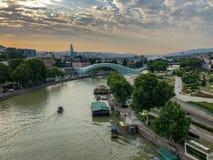 Bro av fred - Tbilisi, Georgia arkivfoto