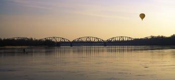 Bro av frihet och fred arkivbilder