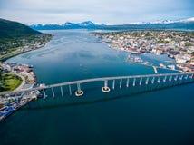 Bro av staden Tromso, Norge Arkivfoto