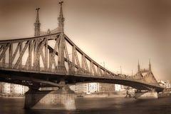 bro budapest Arkivfoton
