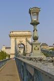 bro budapest chain Europa hungary Royaltyfri Bild