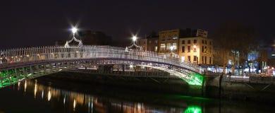bro dublin hapenny ireland Arkivfoto