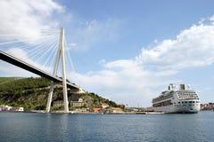 bro dubrovnik Arkivfoton