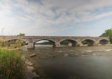 Bro för fem spännvidd arkivbilder