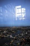 Bro för London stadstorn från över Arkivbild